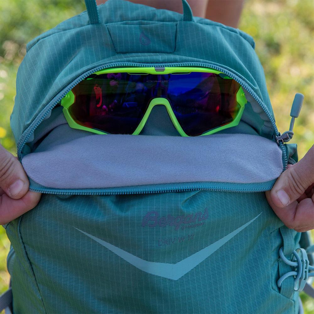 Sun glasses pocket Bergans Driv W 12 Light Forest Frost / Solid Light Grey 2021