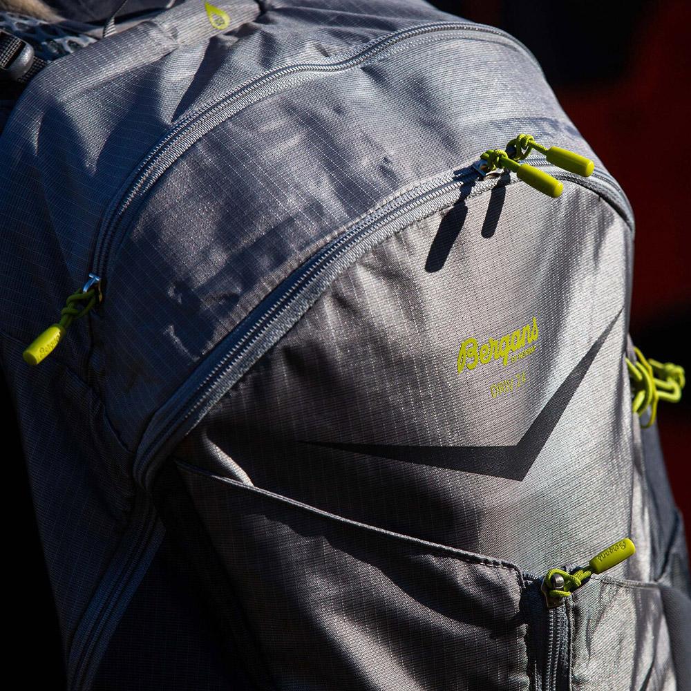 Details Bergans Backpack Driv 24 Solid Light Grey 2021