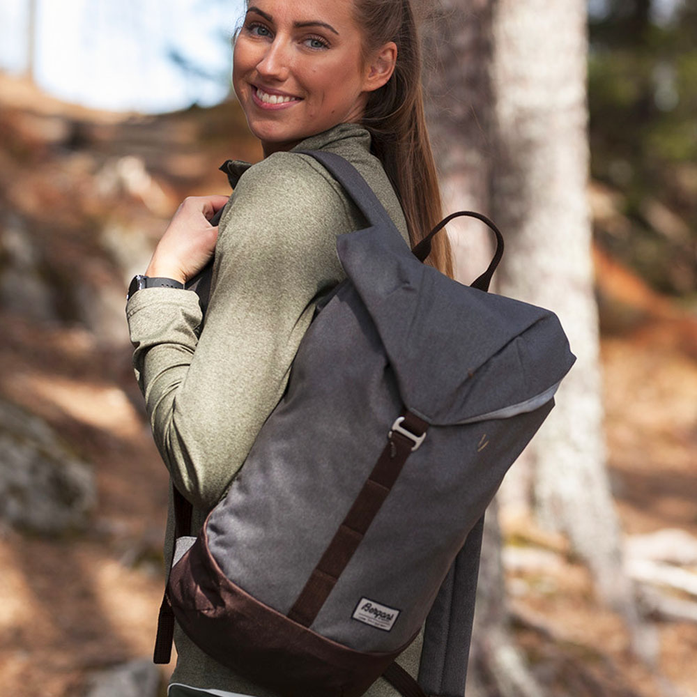 Разходка в планината с раница Bergans Geilo 16L Graphite Dark Chocolate