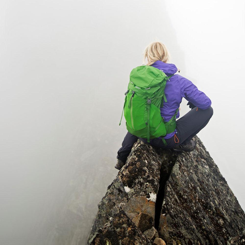 В планината с туристическа раница Bergans Skarstind 32L