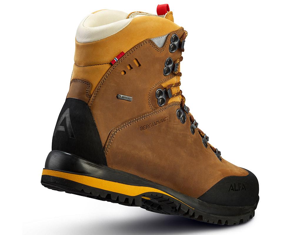 Поглед отзад на мъжки кожени туристически обувки Gore Tex ALFA Berg Advance GTX