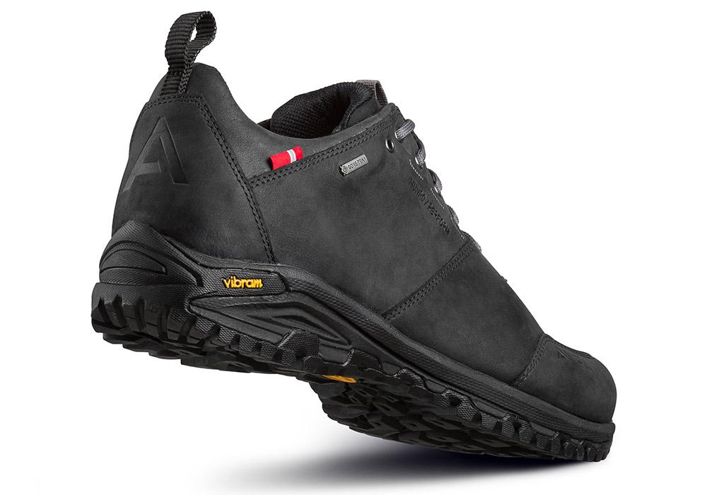Пета гръб на туристически обувки ALFA Munro Perform GTX Black
