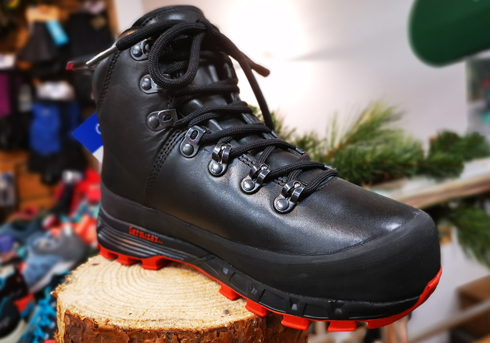Лице на дамски туристически обувки Bergans Trollhetta Lady Leather Dermizax Black 2020