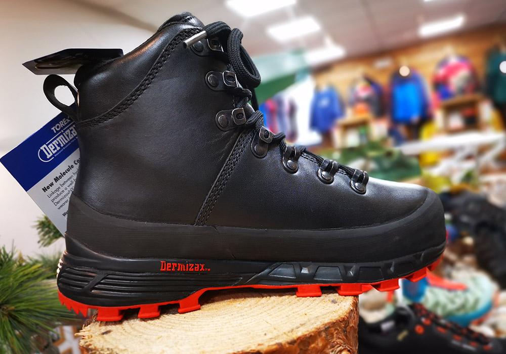 Профил на дамски туристически обувки Bergans Trollhetta Lady Leather Dermizax Black 2020