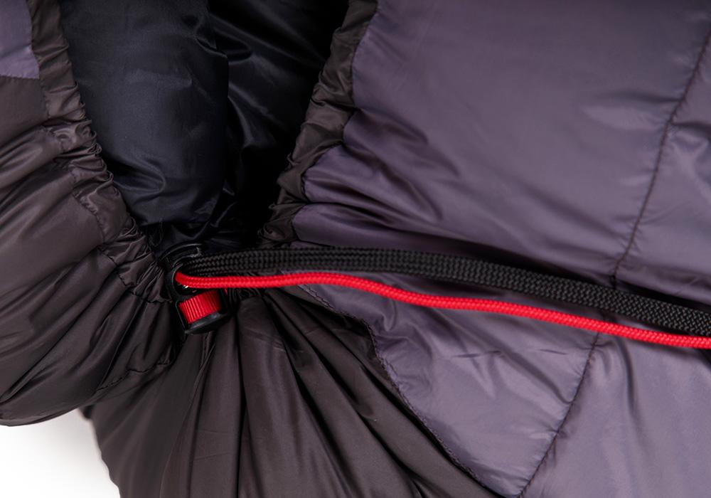 Детайли на пухен спален чувал Warmpeace Viking 900 Iron / Grey 2020