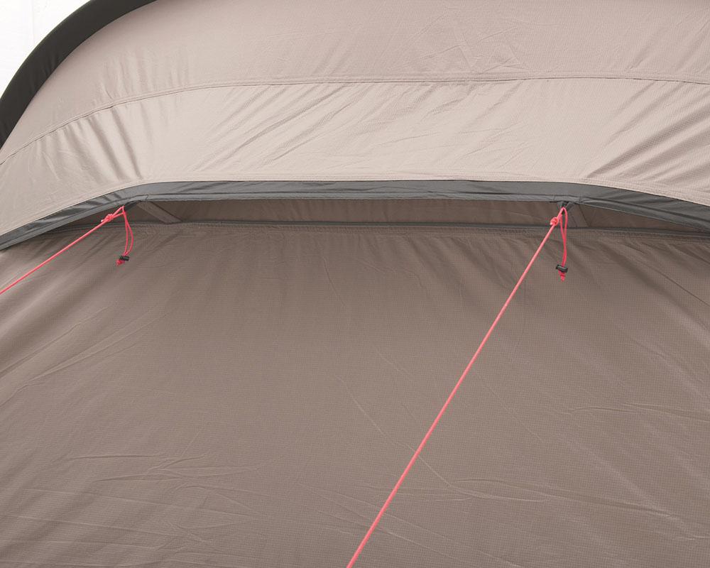 Вентилационни отвори на гърба на палатката