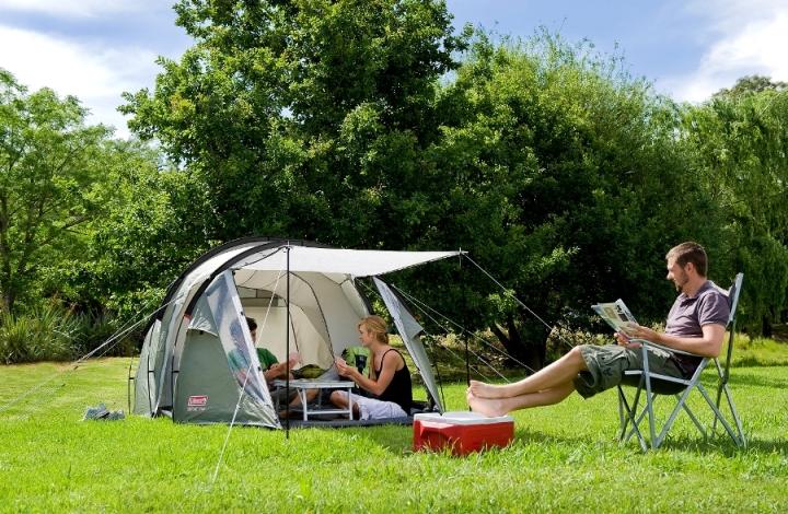 палатка с турист