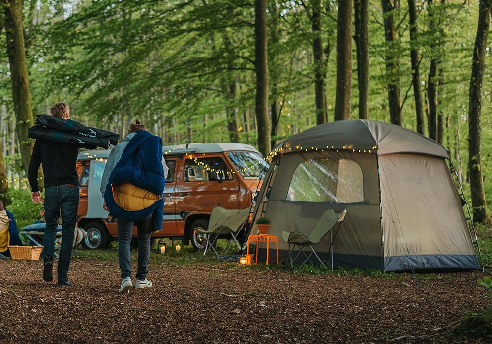 На къмпинг с Easy Camp Moonlight Yurt 2021