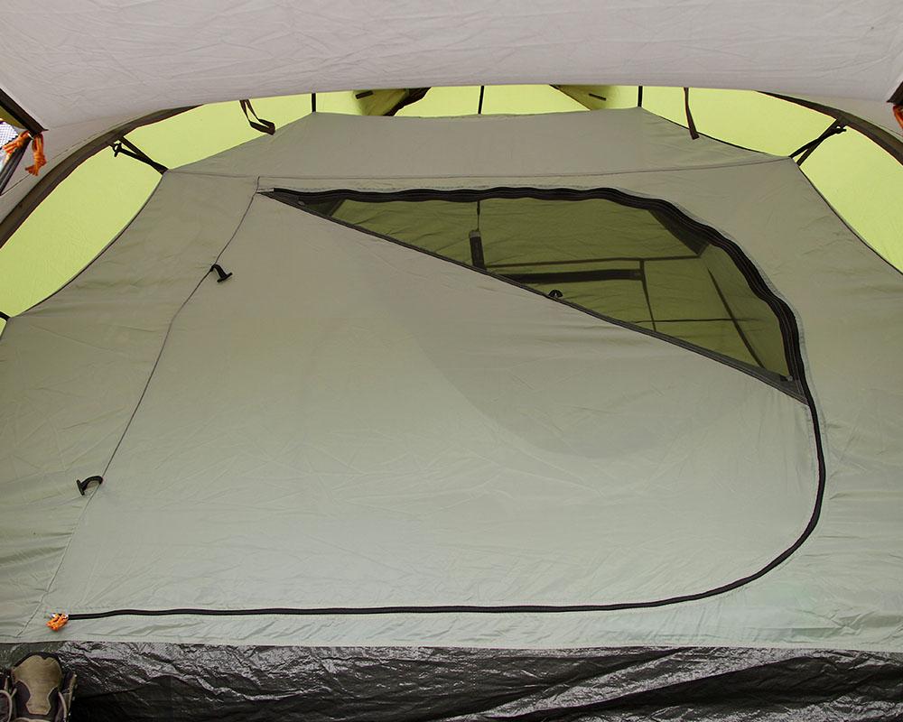 Вход на спално помещение палатка Coleman Hayden 4