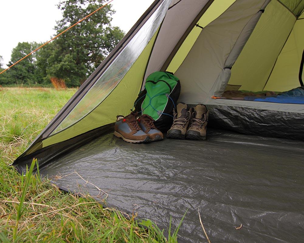 Под в предверието палатка Coleman Hayden 4