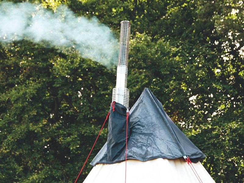 Типи шестместна полипамучна палатка Robens Klondike изход за печка
