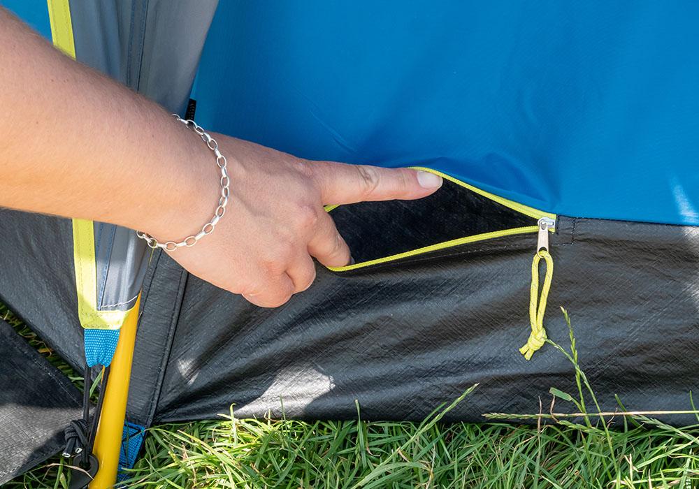 Вход за електрически кабел на триместна палатка Coleman OctaGo 3 2020