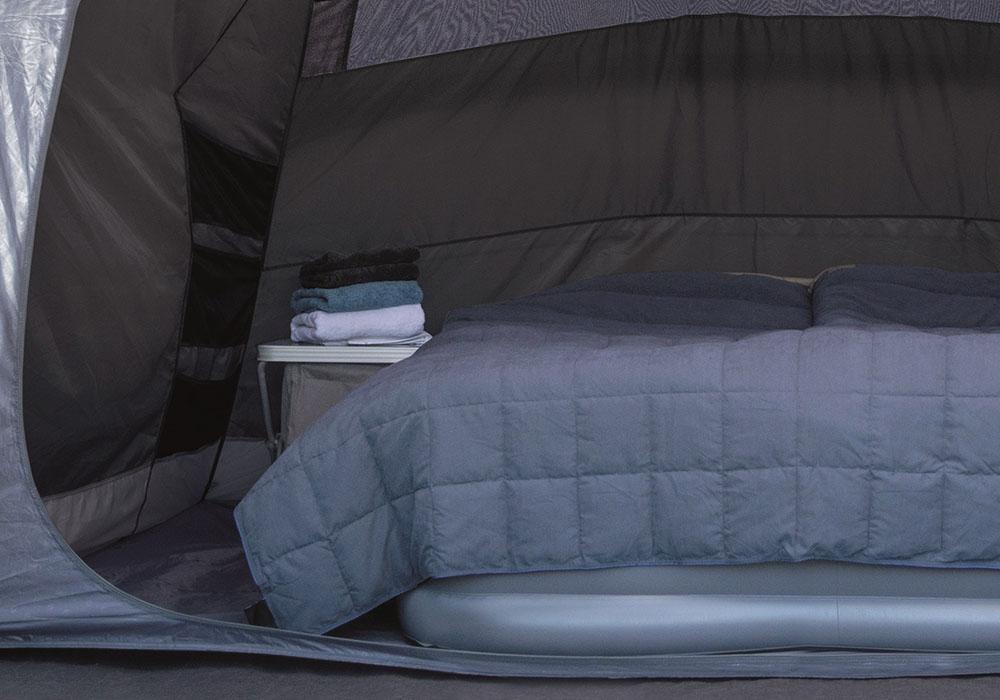 Спално помещение на петместна палатка за къмпинг Outwell Nevada 5P модел 2019