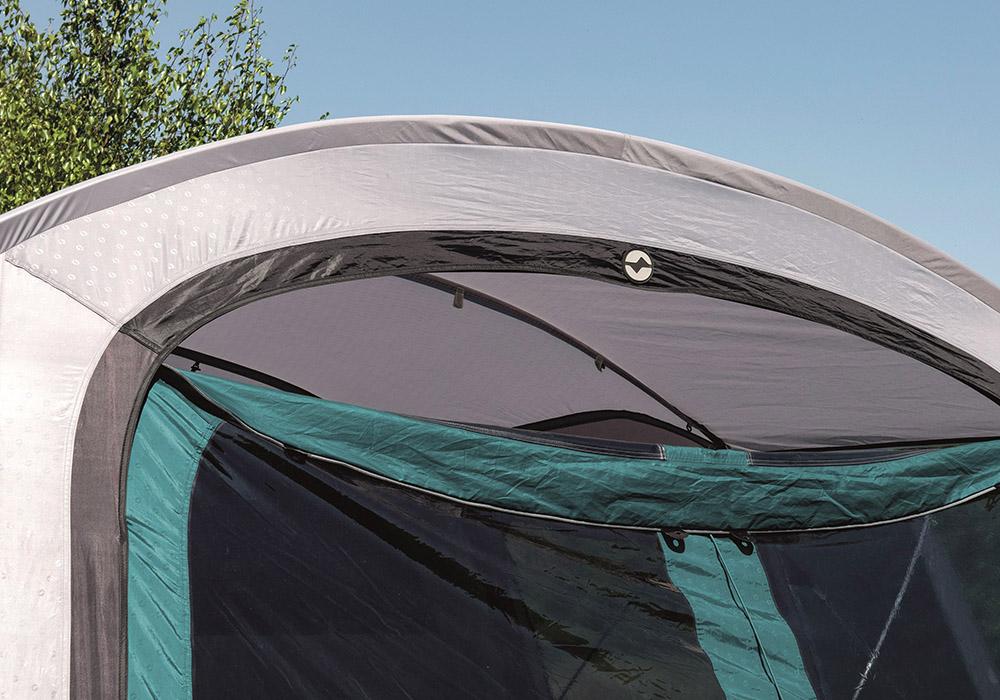 Отваряне на централен вход на четириместна надуваема палатка Outwell Rosedale 4PA 2020