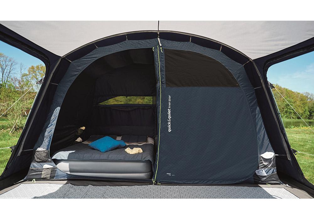 Спални помещениея на петместна надуваема палатка Outwell Hayward Lake 5ATC 2021