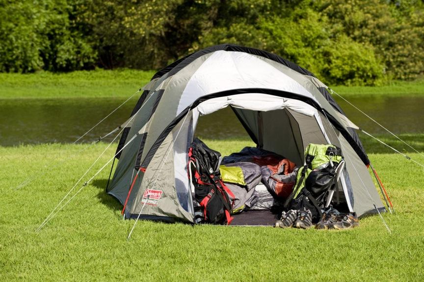 палатка с два отворени входа