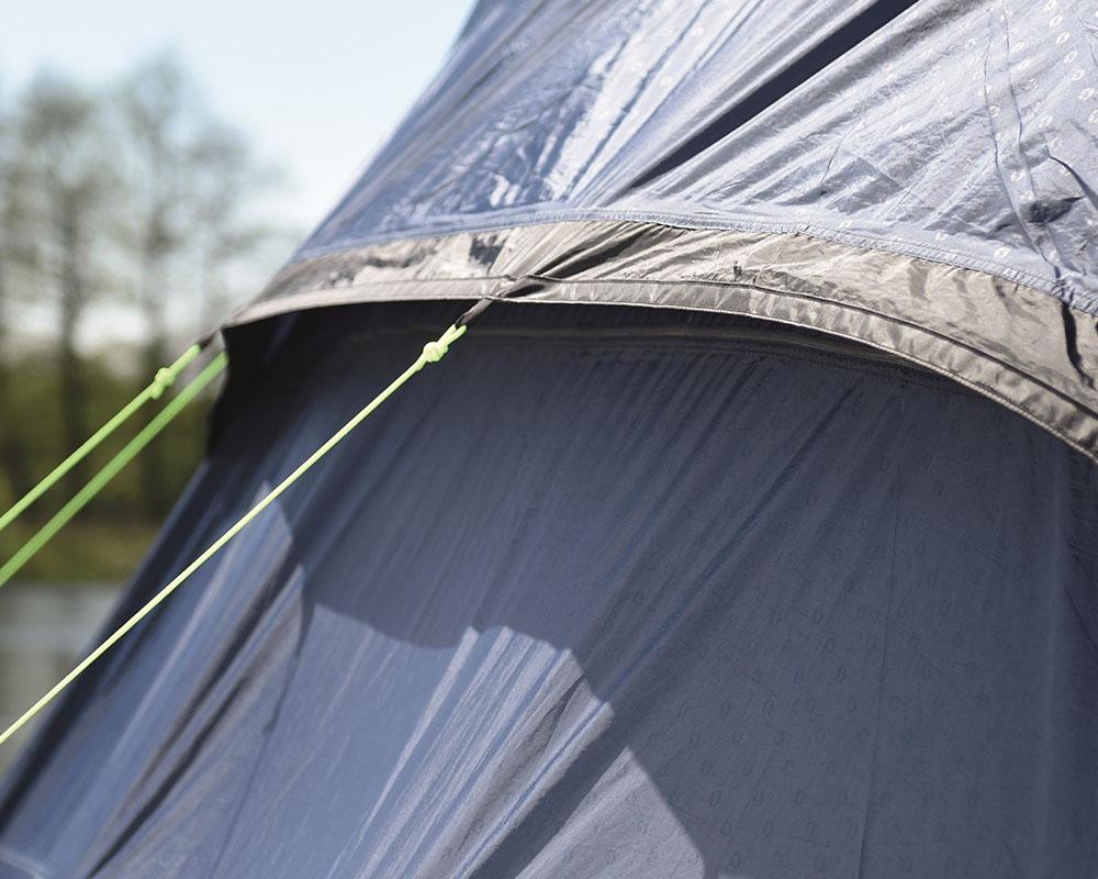 Вентилационни отвори отпред и в задната част на палатка Outwell Roswell 5A