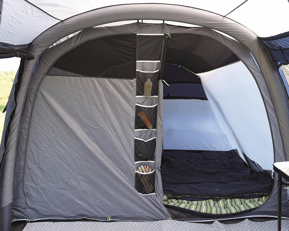 Спални помещения на надуваема палатка Outwell Roswell 5A