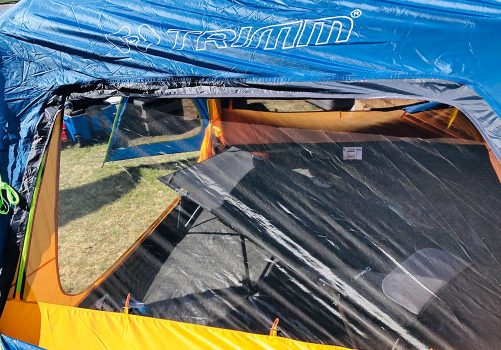 Прозорци с комарници четириместна палатка Trimm Macao Dark Lagoon 2020